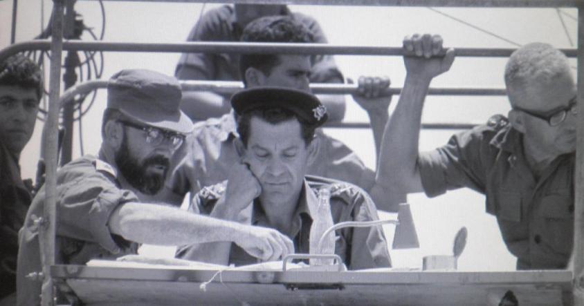 """דדו בזחל""""ם הפיקוד בעת כיבוש רמת הגולן (צילום: אפרים קדרון)"""