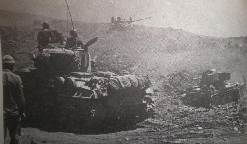 טנקי שרמן תוקפים בחזית הגולן 1967
