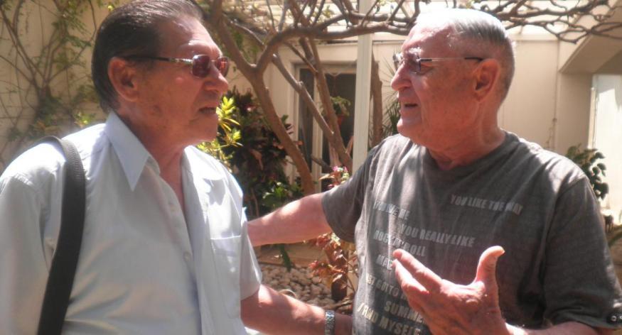"""הוא היה מ""""מ קשוח. משה יזרעאלי (מימין) נפגש לראשונה אחרי 45 שנה עם עזרא ברוש"""