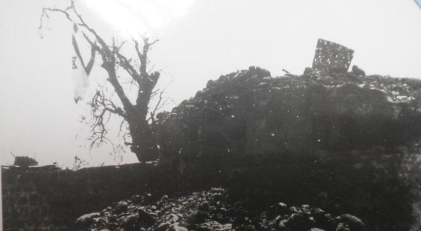 """תל עזזיאת לאחר כיבושו. צילום: אוסף """"במחנה"""" / ארכיון צה""""ל"""