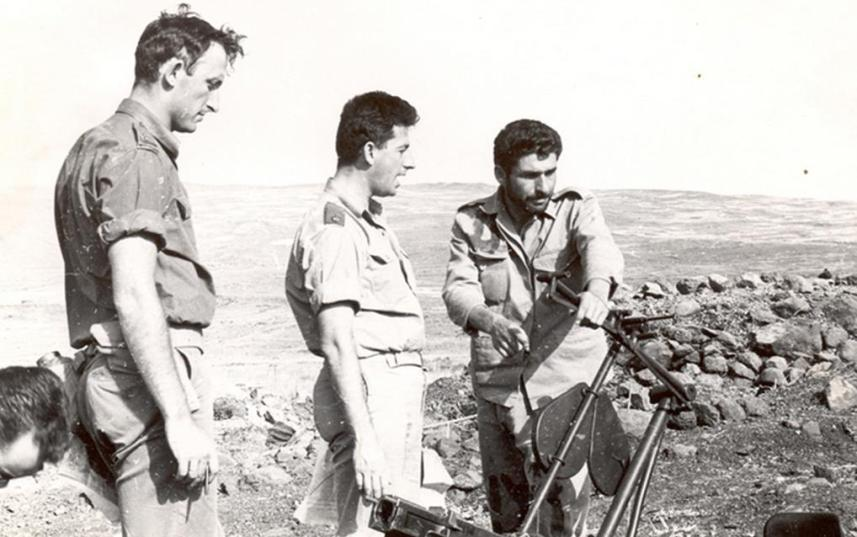 בחזרה לתל עזזיאת. מימין: אבו עזאר, הלחמי ושפר. להגדלה - לחצו על הצילום