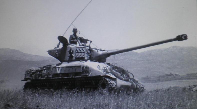 טנק מחטיבה 8 ברמה הסורית (צילום: אלכס אגור, במחנה)