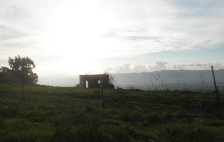 מבנה סורי נטוש בצפון הרמה. המדיניות שלא לתת להם לחזור יושמה כאן במלואה