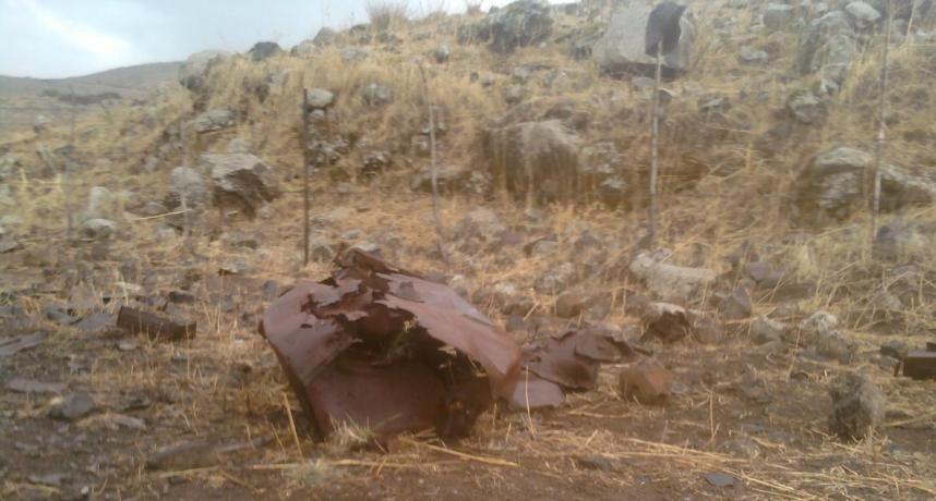 """אחד ממיכלי הדלק של זחל""""ם דרימר-הוברמן נותר במקום הפגיעה בדרך ההטיה"""