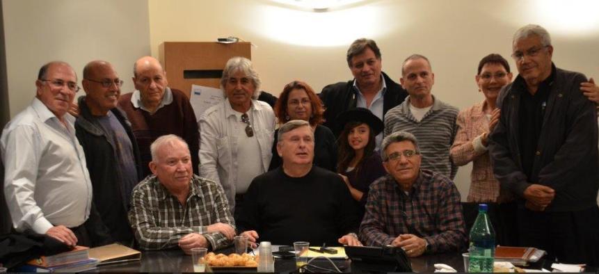 חלק מהמשתתפים בערב הזיכרון לדב רוזנבלום (להגדלה - לחצו על הצילומים)