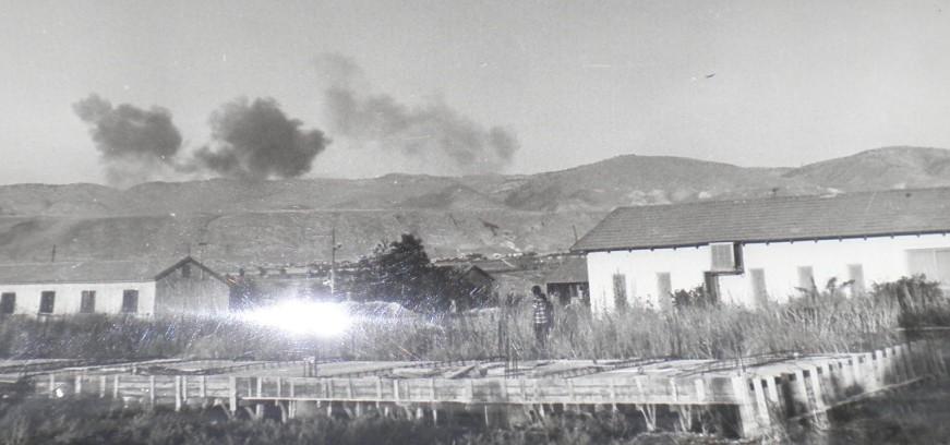 מטוסי חיל האוויר מפציצים מעל רכס גדות