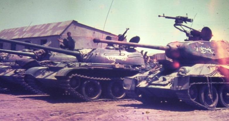 """טנקים סורים שננטשו ונתפסו ע""""י צה""""ל. צילום: אלוני זמורה"""