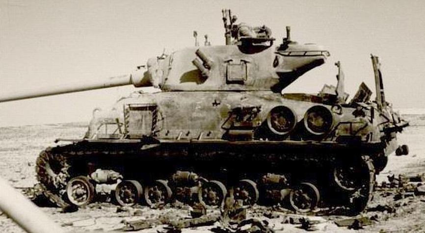 שרמן M-51 מהפלוגה של שאול ורדי בגדוד 129, בגזרת סיני