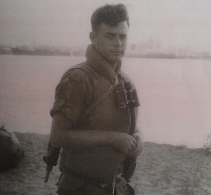 """המג""""ד אלוש בנמל קישון לפני תרגיל חי""""ר עם נחתות חיל הים ב-1967"""