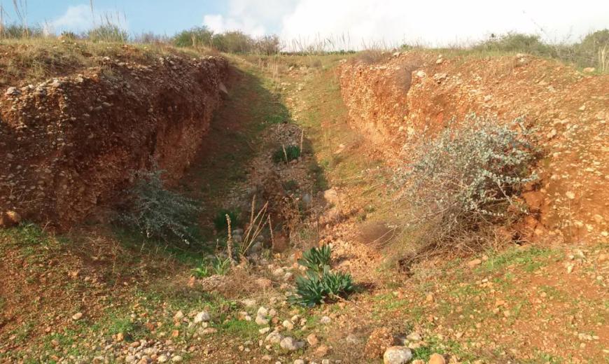 2014: אחת ממחפורות הטנקים בתל חמרה
