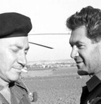 """10 ביוני 1967, דדו ובר לב - אלוף פיקוד צפון וסגן הרמטכ""""ל מסכמים בקונייטרה את הקרב על הרמה הסורית (ארכיון צה""""ל)"""