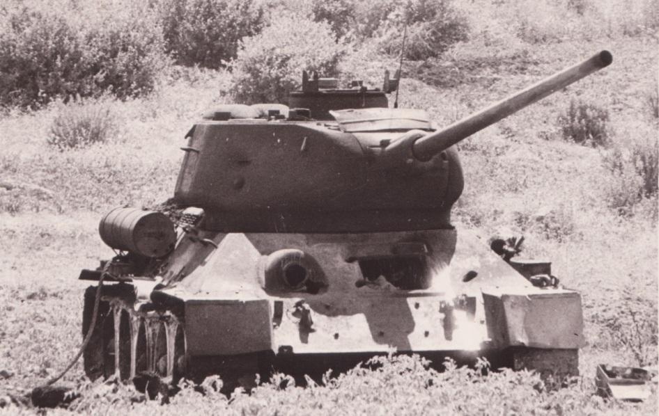 אחד הטנקים הסורים שהשתתף בתקיפת משק דן, נפגע וננטש