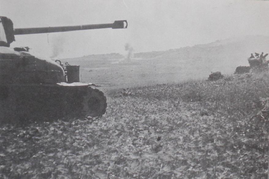 מלחמת ששת הימים, כאן 377. טנקים מפגיזים את רמת הבניאס