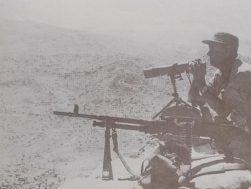 שר הביטחון משה דיין על החרמון, 1967