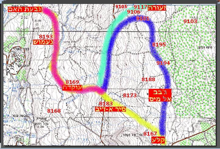 """תנועת חטיבה 8 ומספרי המוצבים העיקריים שמופיעים בקשר. מקרא - ורוד: תנועת חטיבה 8 מגבעת האם ועד ציר הנפט, מכאן היא מתפצלת. גדוד 129 (צהוב) עולה לקלע, גדוד 377 והחפ""""ק (כחול) נוסע לזעורה, תופס את המוצבים העיקריים ומשם פונה דרומה ודרך ג'בב אל מיס חובר בקלע לשרידי 129. גדוד חרמ""""ש 121 (ירוק) כובש פיזית את מוצבי זעורה"""