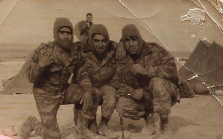 משה נחמיאס (מימין) עם חבריו באימון חורף של גולני בדרום