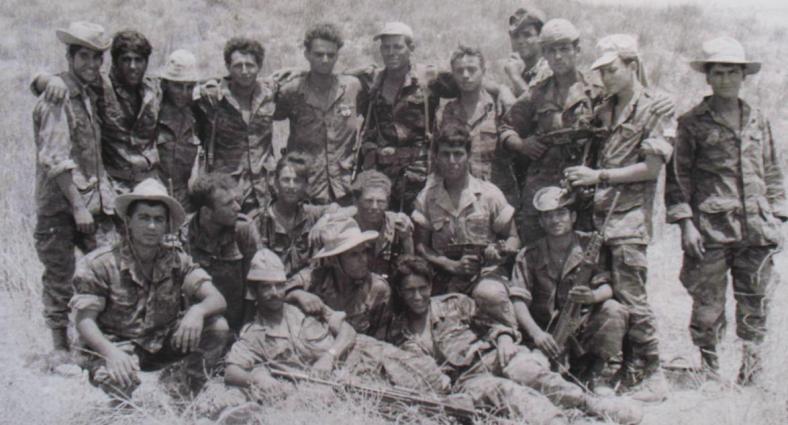 """תמונה נדירה של לוחמי פלוגה א' בגדוד 12 שהביא חיים סייג, אחיו של מיכאל סייג ז""""ל []"""