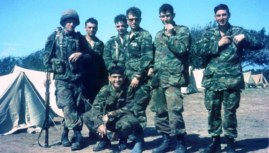 חיילים ממחלקה 16, חברי גרעין אשחר-גבולות וגרעין מישר-רשפים [באדיבות נח ברקת]