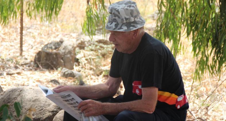"""יוסי פרידמן,קמב""""צ 12, מעיין בעלון שחולק לבאי מפגש תל פאחר 2015"""