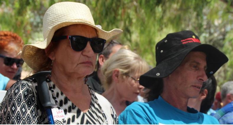"""משפחתו של אפרים אפשטיין ז""""ל, הבן גונן [מימין] והאשה פרידה"""