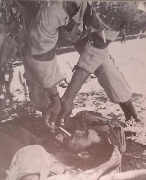 """מחייל צה""""ל: סיגריה לפצוע סורי [צילום: משהב""""ט]"""