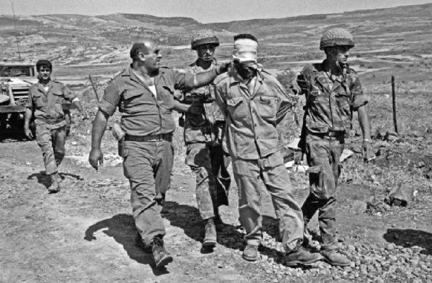 שבוי סורי שנתפס בקרבות ששת הימים [צילוםCollection/CORBIS]