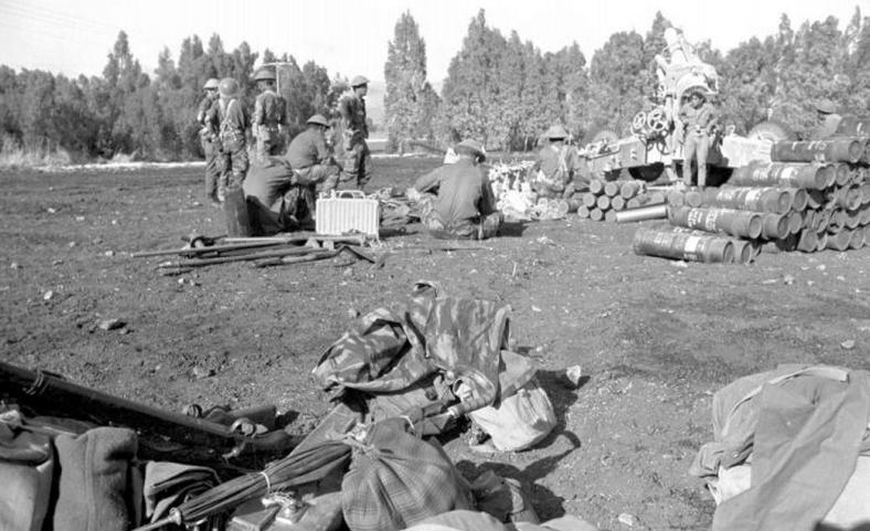 """ארטילריה בכוננות ]צילום: במחנה / ארכיון צה""""ל]"""
