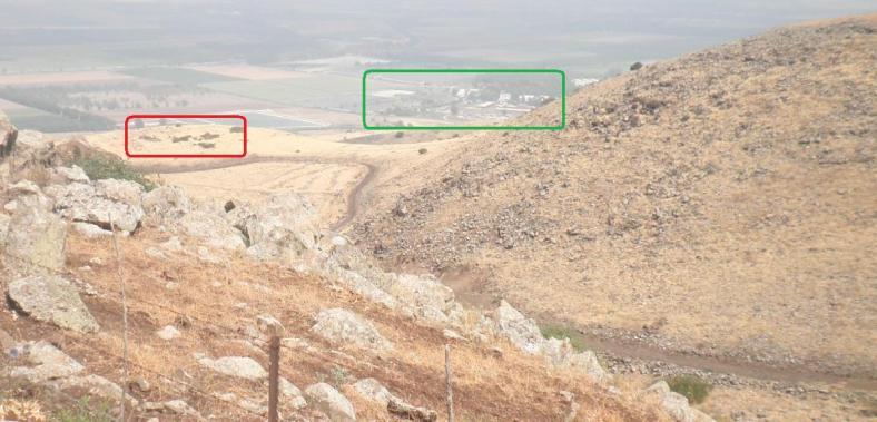 מבט מרכס גונן מכיוון דרום מזרח. באדום - מוצב 8100, ירוק - קיבוץ גונן