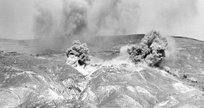 """הפצצת דרום הרמה - המוצבים שמעל הכינרת [מקור צילום: ארכיון צה""""ל]"""