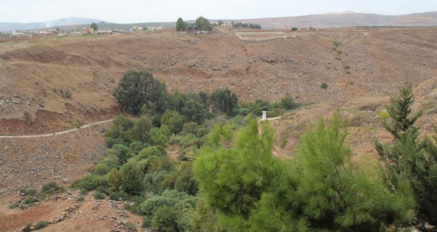 """מבנה שמירה של האו""""ם על גדר המערכת מתחת לרג'ר"""