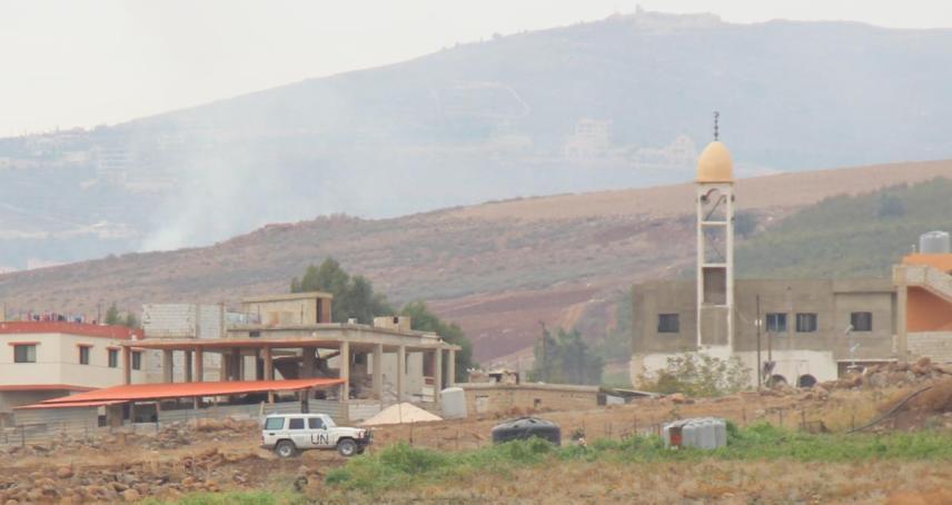 """רכב או""""ם מסייר בכפר הלבנוני שמעל רג'ר"""