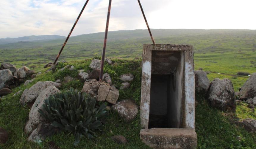 הכניסה למקלט - המקום הבטוח ביותר בגבעת האם