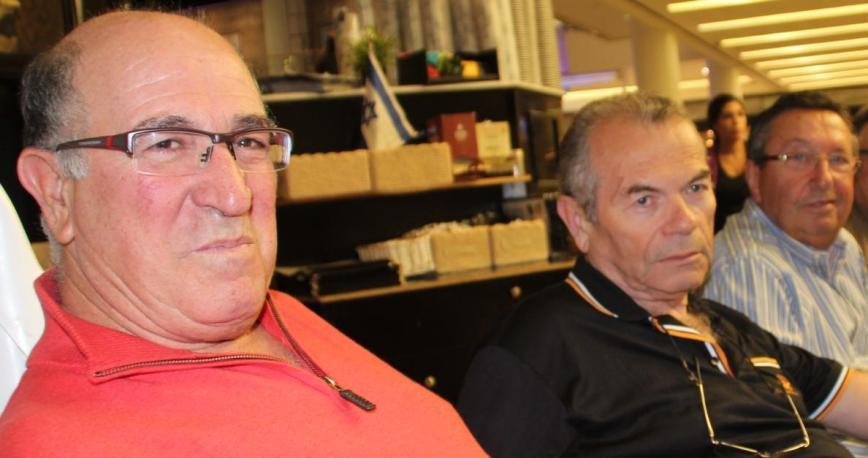 אנשי פלוגה ג' בגדוד 12 בששת הימים. משמאל: מאיר אביב (אבוטבול), חזי זילברמן ודוד מוסקוביץ'