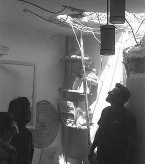 פגיעה ישירה בבית בראש פינה בהפגזת ה-6 ביוני 1967