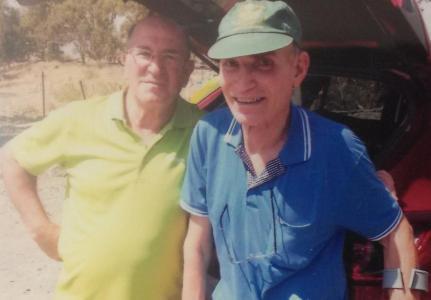 מכנס תל פאחר 2014: גדי שרלין (מימין) עם מאיר אבוטבול שטיפל בו ביעד הדרומי