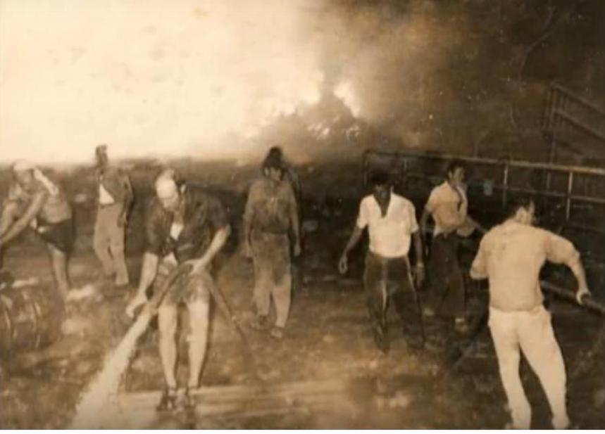מכבים דליקה בתל קציר לאחר הפגזה
