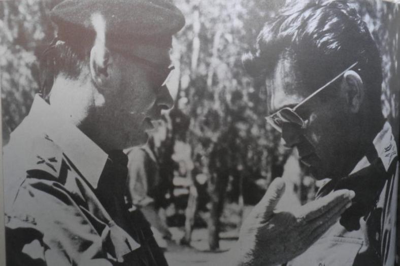 אלברט מנדלר [מימין] ודוד אלעזר