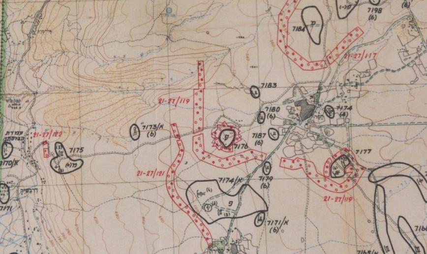 """מפת מודיעין של איזור הכפר חפר והמוצבים שסביבו המסומנים כממוקשים. חפר נמצא כ-4 ק""""מ דרומית-מזרחית לקיבוץ גונן"""