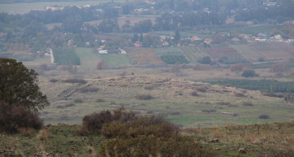צילום משטח מוצב נעמוש אל גבעת האם ואל שאר ישוב שברקע