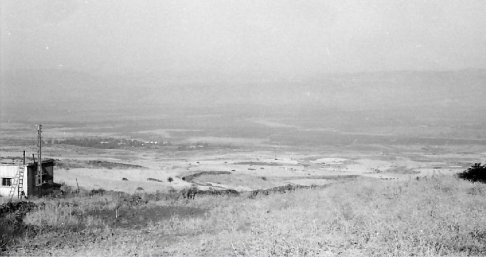 סיר א-דיב מבט מדרך הנפט לכיוון מערב [צילום: אברהם אילת]