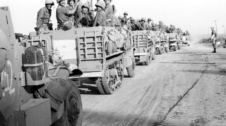 """כוחות צה""""ל ת""""פ פיקוד צפון בדרך לכיבוש ג'נין [צילון: ארכיון צה""""ל]"""