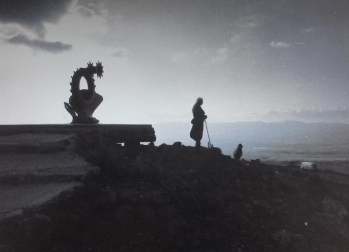 """1972, אנדרטת עמי לב טוב על הדרך למסעאדה [צילום: ארכיון צה""""ל]"""