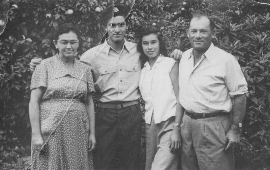 1952, משפחת לב טוב בכפר יהושע. ההורים לאה וחיים, הילדים עמי ורבקה