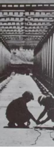 הכנה לקראת פיצוץ אחד מגשרי דמיה