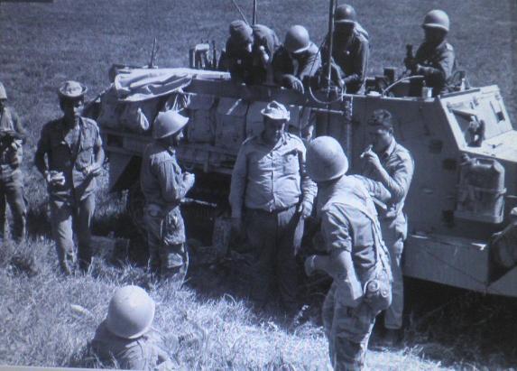 """כוח צה""""ל בחזית הסורית במהלך מלחמת ששת הימים [צילום"""" אלכס אגור """"במחנה"""" / ארכיון צה""""ל]"""