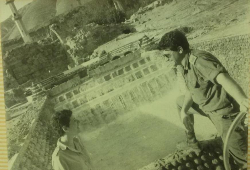 עזרא סלע וחיילת בבניאס לאחר מלחמת ששת הימים