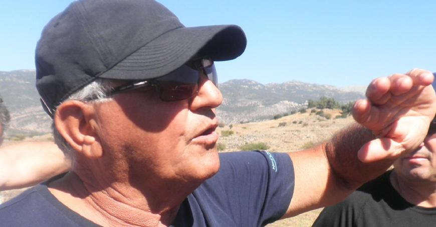 עזרא סלע בסיור מפקדים לתל פאחר, אוקטובר 2013