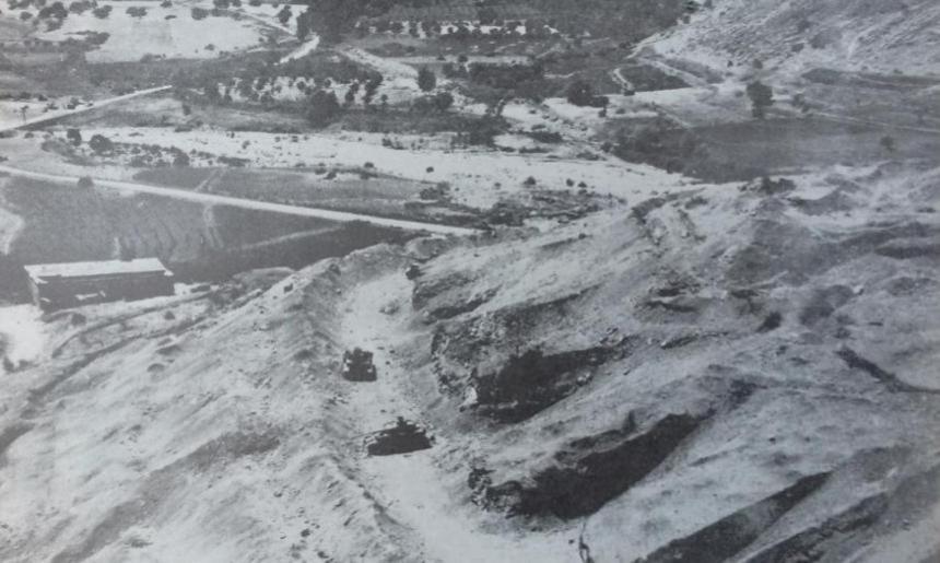 טנקים סורים בתל חמרה שנפגעו בהפצצת חיל האוויר