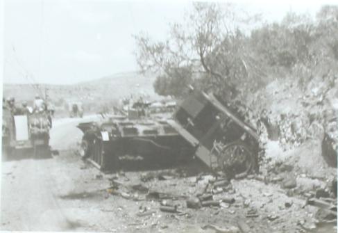חטיבה 37 חולפת על פני פטון ירדני פגוע