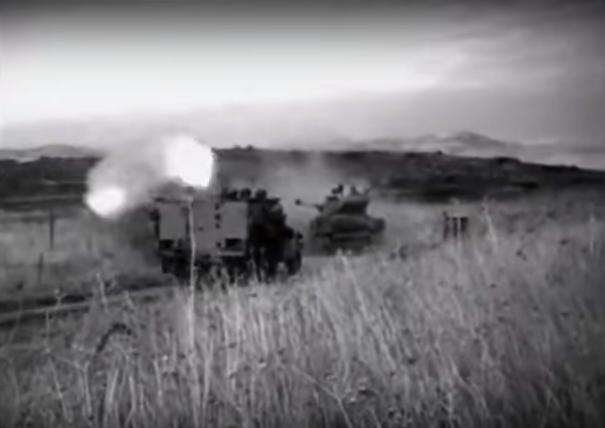 """זחל""""ם מגדוד 51 נפגע מפיצוץ מוקש בדרך אל היעד [מתוך סרט שחזור מקרבות מלחמת ששת הימים]"""